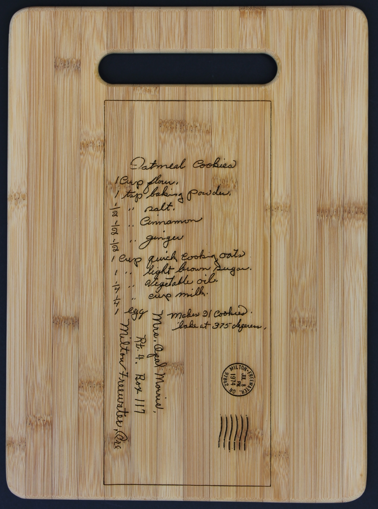 Vertical Cutting Board with a Custom Scan